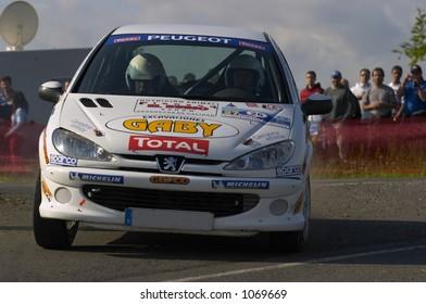 Rallye competition white car