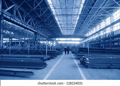 Rambling shop floor ia made as steel construction. This production department make a specialty out of metalworks manufacturing.