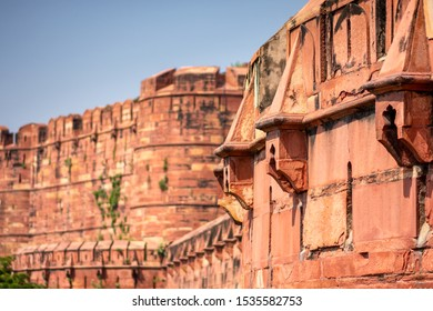 Ramparts of the historical Agra Fort of the Mughal dynasty emperors, a UNESCO World Heritage site in Agra, Uttar Pradesh, India