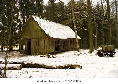 Ramshackle barn in the snow
