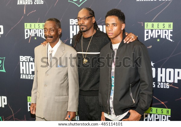 Rap Icon Snoop Dogg Family Attends Stock Photo (Edit Now