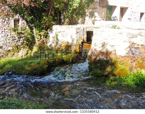 rasiglia-medieval-village-center-italy-6
