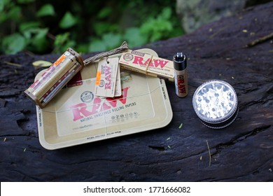 Raw natural rolling paper smoking kit with grinder - Mexico, June 2020