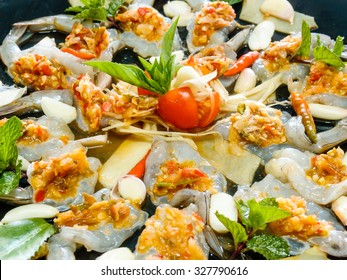 raw shrimp in fish sauce, seafood thailand