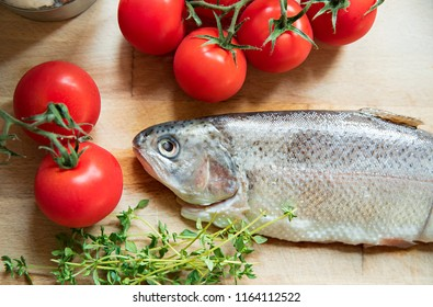 The raw trout with thyme and tomatoes