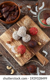 Raw vegan protein balls with nuts dates
