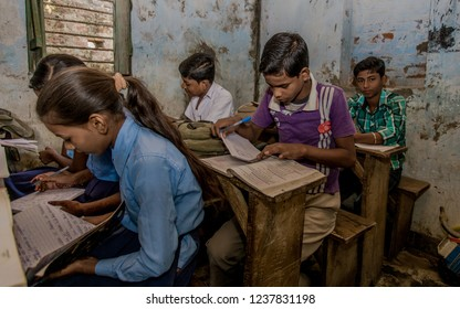RAXAUL, INDIA: Unidentified Indian children in a local primary school, circa November, 2013 in Raxaul, Bihar, India.