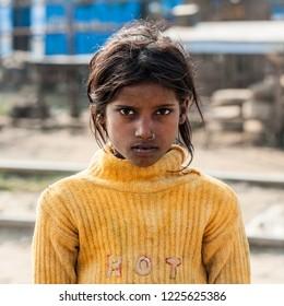 india slum girl