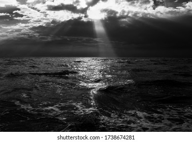 A ray of light on the moving sea
