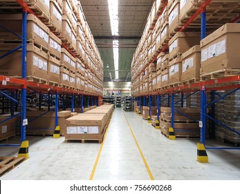 Rayong Thailand , November 17 - 2017 : Material boxes shelf in manufacturing warehouse for delivery to the   customers in Thailand.