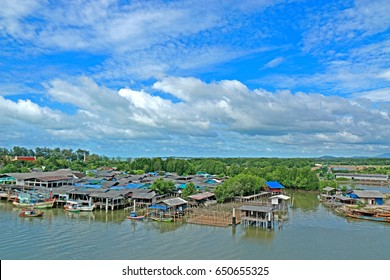 RAYONG-THAILAND-AUGUST 23 : The Local fish villa on August 23, 2015 Rayong Province, Thailand.
