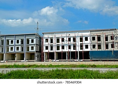 RAYONG-THAILAND-OCTOBER 14 : The Commercial building construction near the road, October 14, 2016 Rayong Province, Thailand