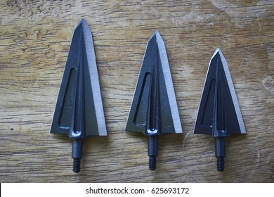 Razor sharp tradiotnal two blade broadheads made from surgical steel that used for bow hunting purposes