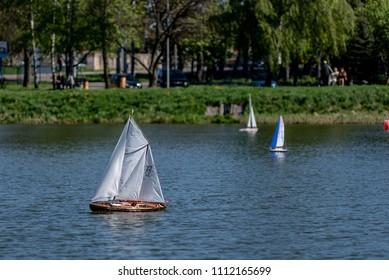 Imágenes, fotos de stock y vectores sobre Rc Sailing Boat
