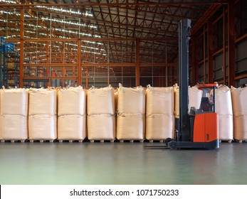 Reach trucks for perfect load control, material /jumbo bags handling happens smooth and precisely in large warehouse.