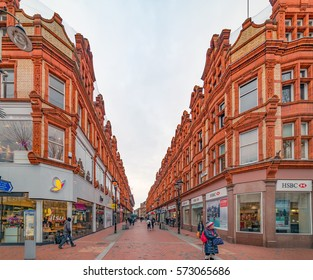 Reading, UK. 5th February 2017. People are walking through the pedestrianized streets of Reading in Berkshire on a Sunday afternoon.