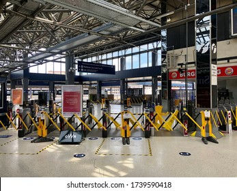 READING, UK - MAY 24, 2020: The old part of the main train station, normally very busy with people but empty due to the Coronavirus pandemic, in Reading, Berkshire, UK.