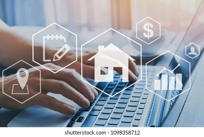 Immobilienkonzept, Immobilienwertdiagramm, Hände, die auf dem Computer als Hintergrund tippen, Haus kaufen