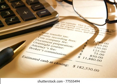Real estate home seller estimate statement sheet for projected net profit at closing with itemized expense costs and Realtor broker commission with dollar amounts figures for a house cash sale