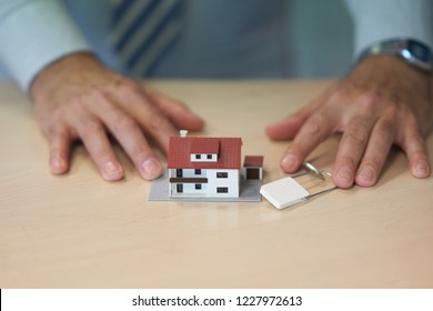 Real estate market: purchase agreement for a new house