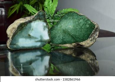 Real jade Natural sparkling green color