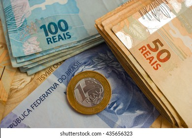 Real Notes and coins, the official currency of Brazil