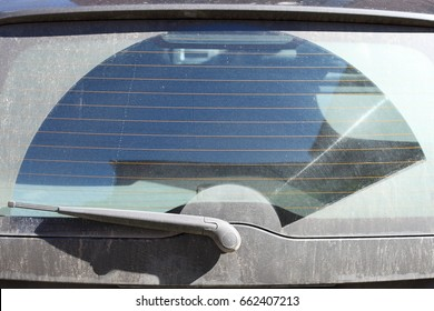 Rear dirty glass in auto with wiper