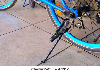 Rear Hub with Stand