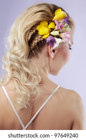 rear view of a bride with curly wedding hairstyle