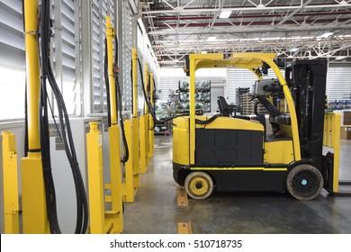 recharging electrical forklift, industry forklift parking