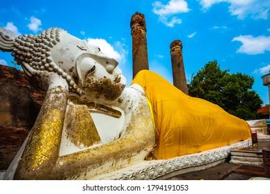 reclining buddha ayutthaya in thailand