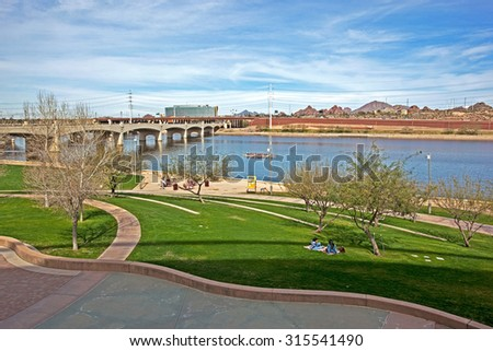 Recreation, Relaxation and outdoor activities along the shore of the Tempe Town Lake in Arizona