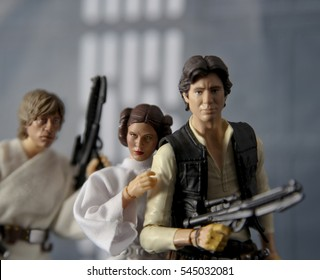 Recreation of a scene from Star Wars Episode IV: A New Hope: Luke Skywalker and Han Solo rescuing Princess Leia Organa from the Death Star - Hasbro Black Series 6 inch figure