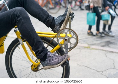 Recumbent bike, urban transport, environmental mode of transport, pedal lying, Bicycle day in the city, transport for the disabled, transport rent, buy two-wheeled