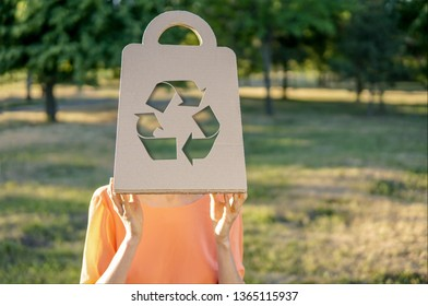 Recycle icon on a paper bag, recycling garbage symbol environment, no waste, less waste lifestyle