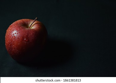 Red apple fresh fruit hd background wallpaper download now.