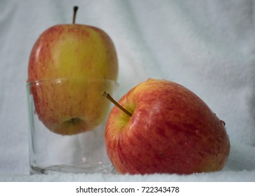 red apple with white backgrounds