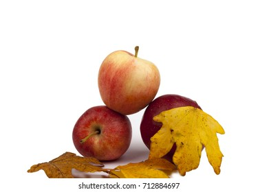 Red apples with leaves,isolated background