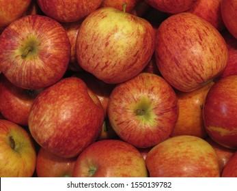 red apples (Malus domestica) fruit vegetarian food