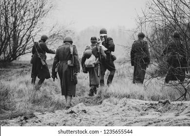 Red Army scouts World War II go to raid. Black and white image