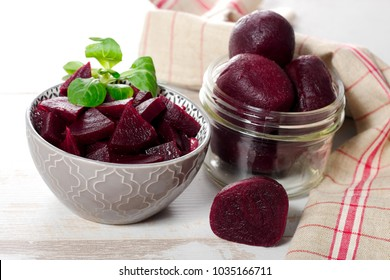 red beetroot cutting into pieces in a bowl