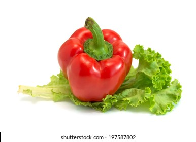 red bell pepper and green salad