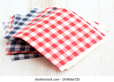 Red, blue and white checkered napkins perfect for a picnic party