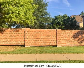 Imágenes, fotos de stock y vectores sobre Sound Barrier Walls