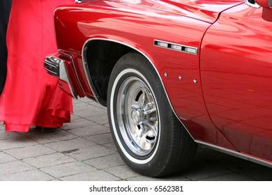 Red car details