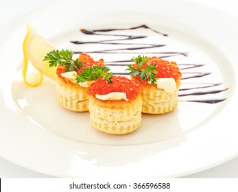 Red caviar in tartlets