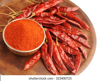 red chilliy powder with dry red chilli