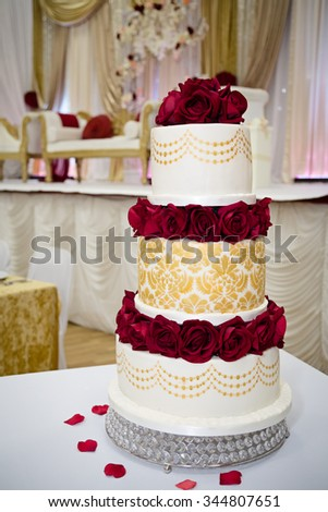 Red Gold Wedding Cake Stock Photo (Edit Now) 344807651 - Shutterstock