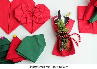 Christmas Tree Napkin Fold Tutorial - Sand and Sisal | 280x390