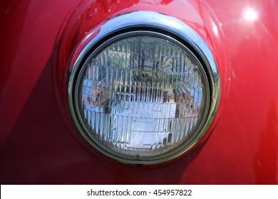 Red head light